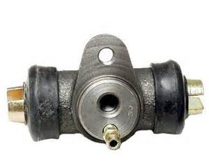 113-611-057B FRONT WHEEL CYLINDER